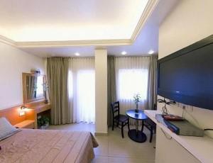 1328724496_bell-hotel-tel-aviv_7