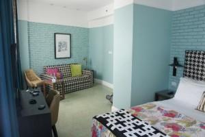 center-chic-hotel-tel (1)